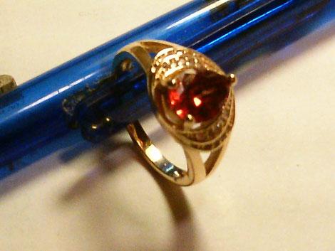 ringgroesse 508, gelgoldlegierte fassuung, stein: rubin (n 1,77)