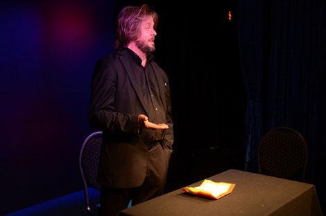 Auf Seminartour - Christian Knudsen, Zauberer in Hamburg