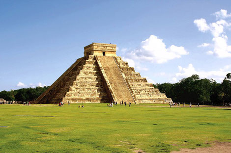 The famous Mayan pyramid Chichen Itza