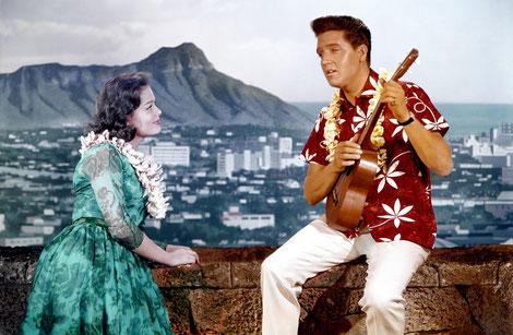 Elvis Presley im Hawaiihemd