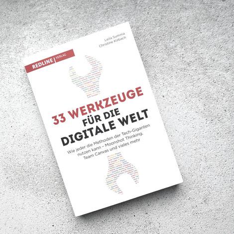 Buchcaover: 33 Werkzeuge für die digitale Welt. Leila Summa / Christine Kirbach. Redline Verlag