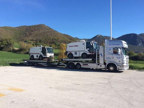 Scania V8 mit spezieller Ladung