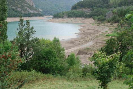 Stausee inmitten der Pyrenäen