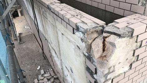 さいたま市の集合住宅、外壁タイル修繕工事の様子