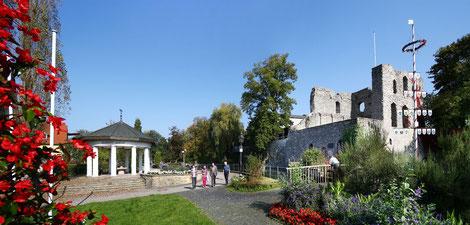 Burg mit Arminiustempel  © Stadt Bad Lippspringe