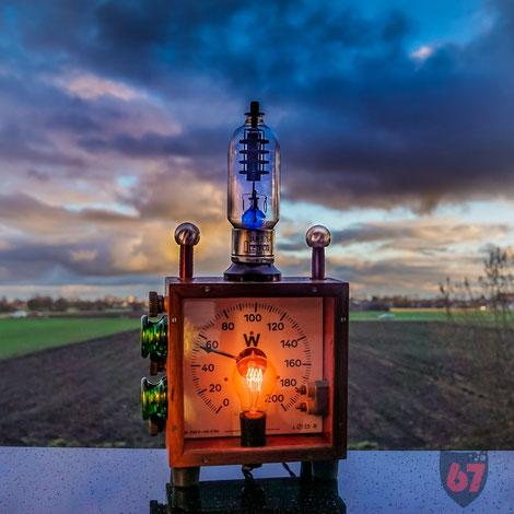 Upcycling DIY lamp steampunk lightart antique wattmeter by Jürgen Klöck