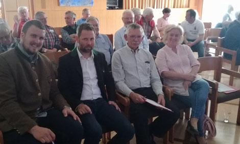 Tag der Kärntner Imkerinnen und Imker 2018: v.l.n.r. Leiter Imkerschule Christian Osou, LV Obmann Mag. Arno Kronhofer und ehem. Obmann Meinhard Schöffmann