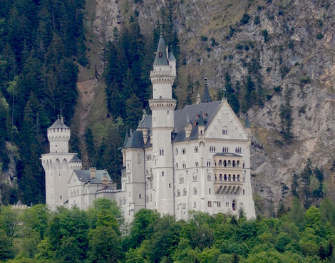 bsonders BAYERISCH Gebäude_Schloss Neuschwanstein