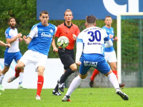 Philipp Sander gegen Finn Burdenski. Foto: pin