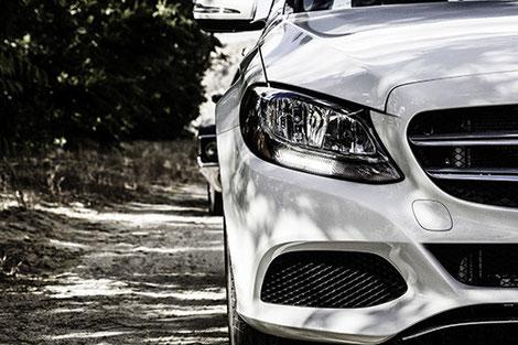 Sport-/Luxusfahrzeug