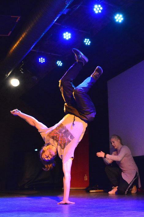 Breakdance Bboying Akrobatik HipHop Tanzgruppe Freiburg Streetdance Tanzschule