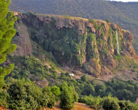 Offroad errechbarer Wasserfall Zaouira d'Ifrane, Marokko