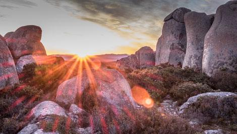 Tasmanien sollte bei einer Australien-Reise nicht fehlen! Hier ein Sonnenuntergang am Mt. Wellington bei Hobart.