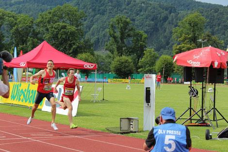 Andreas Vojta und Brenton Rowe  (hier beim spannenden Zielsprint der Staatsmeisterschaften 2016 über 1500m) lieferten mit ihren 4. Plätzen wertvolle Punkte für den Klassenerhalt des ÖLV