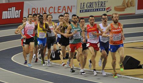 Andreas Vojta in der Anfangsphase des 3000m-Rennens (Foto: Olaf Brockmann)