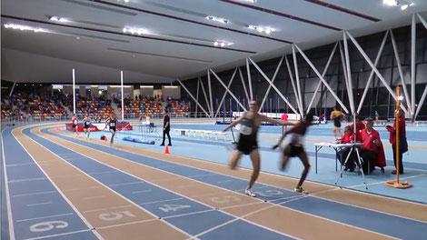 """überaus knapper Sprint um Platz 3, wobei Andreas (links) nach einem Rempler des äthiopischen Läufers mit knappem Rückstand (3/100"""") auf Platz 4 lief."""