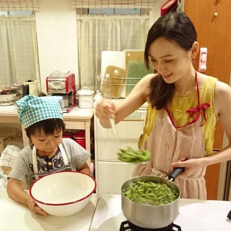 料理研究家、中村陽子の親子クッキング