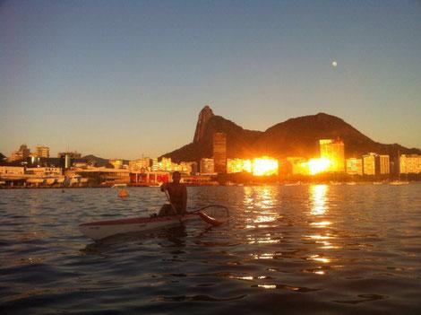 Quelle: Rodrigo Rangel/ Rio Lagoa: Ruderer am frühen Morgen