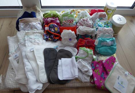 Rundum-Sorglospaket für 6 Wochen altes Baby mit 2 Wollüberhosen