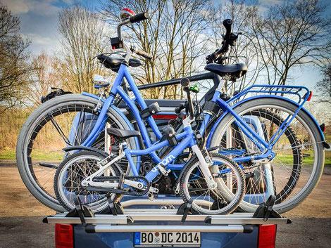 Fahrradträger für max. vier Fahhräder zur Montage auf der Heckklappe