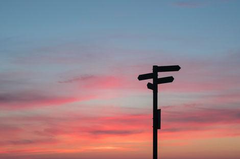 Wegweiser, Sonnenuntergang, Entscheidungen, Chance, Reue, Einfluss