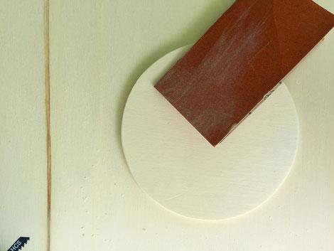 Sperrholz bearbeitet mit Schleifpapier Körnung 240