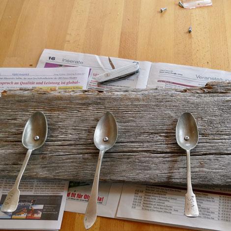 Hakenleiste aus alten Löffeln DIY