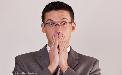 Die Hauptursache für schlechten Atem liegt im Mund. Deshalb helfen gute Mundhygiene und professionelle Zahnreinigung am besten. (© Serge Black - Fotolia.com)