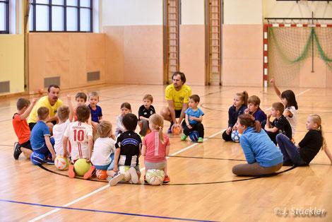Der wöchentliche Fußball-Kindergarten des TUS Heiligenkreuz
