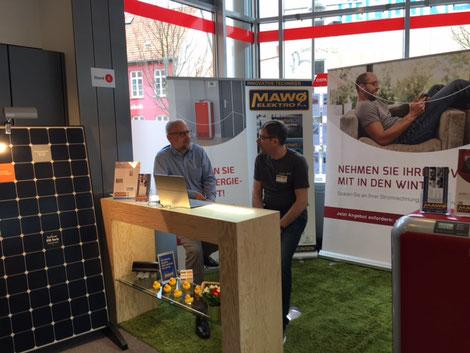 Interview mit Herrn Gorkow von der DEV (SENEC) und Herr Dolny von der MAWO Elektro e.K. auf der Ospa Messe in Rostock zum Thema Senec, Senec.Claud und neuer Martauftritt der DEV Senec) ab 05.04.2017