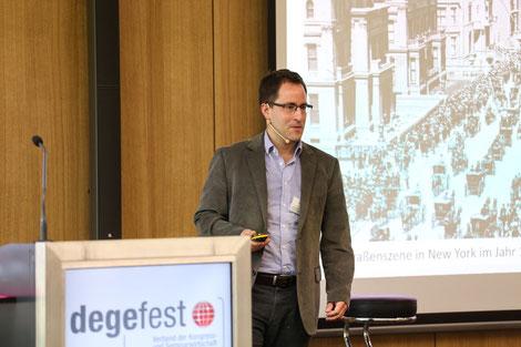 Vortrag Prof. Dr. Lothar Winnen