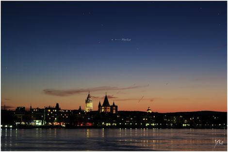 Merkur am Abendhimmel über Mainz