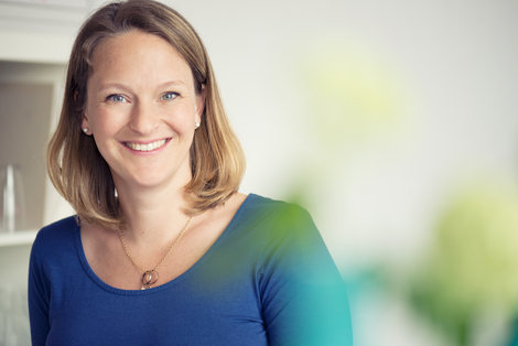 Andrea Feustel ist Texterin aus Berlin und schreibt für Selbstständige und kleine und mittelständische Unternehmen Webtexte, Blogartikel und Newsletter. Sie übernimmt Content Marketing und berät für ein authentisches und selbstbewusstes Auftreten im Web.