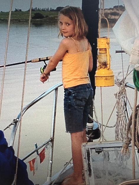 Silja hat sechs Jahre mit ihren Eltern auf einem Segelschiff gelebt.