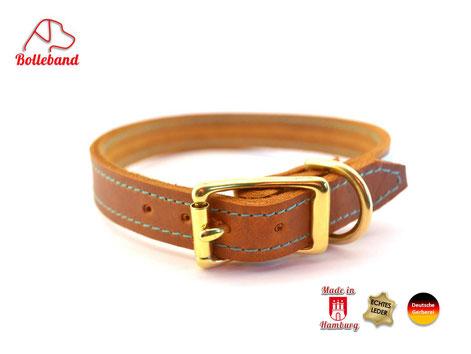 Hellbraunes Hundehalsband mit Messingverschluß und Naht von Bolleband