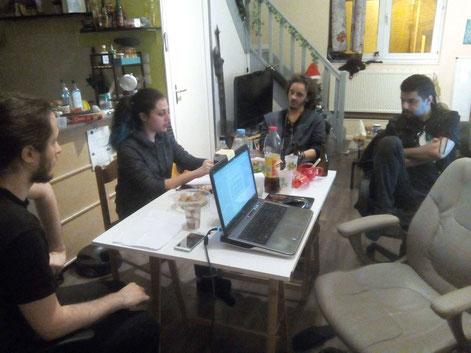 Les brainstorms, c'est le fun. Regardez ces visages épanouis et enjoués.