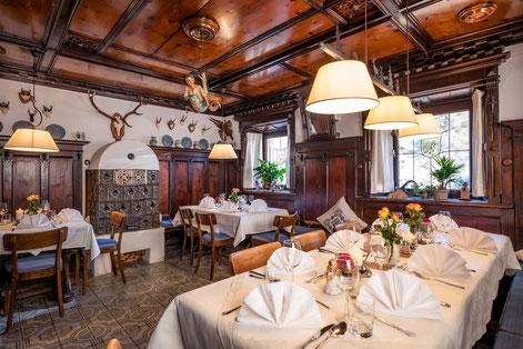 Bild: urige und gemütliche Tiroler Stube im Postgasthof Fischerwirt Walchsee Kaiserwinkl