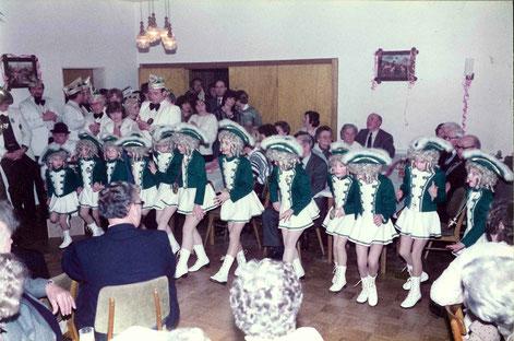 Garde 1985 Seniorennachmittag Saale Röske
