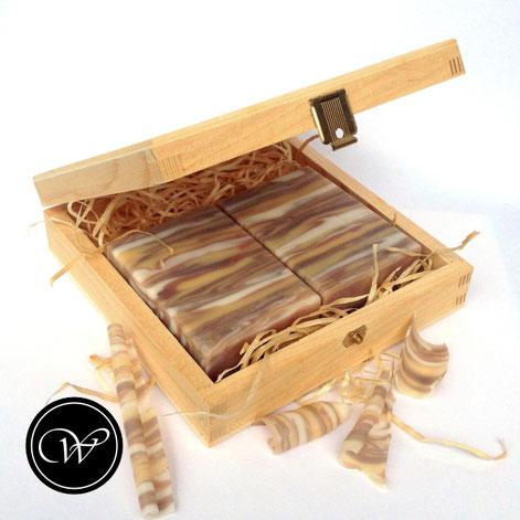 Woodgrain soap by Fraeulein Winter