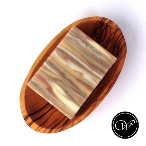 Woddgrain soap by Fraeulein Winter