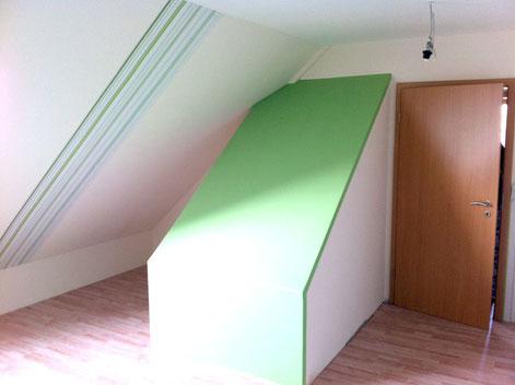 Treppenaufgang von oben, wird als Kletterwand im Kinderzimmer genutzt