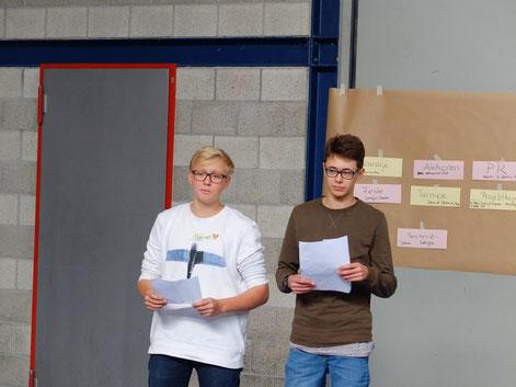 Oktober 2016 •  Hannes Maier und Markus Vetter schlagen am SMV-Tag vor, in diesem Schuljahr erneut einen Versuch zu wagen.