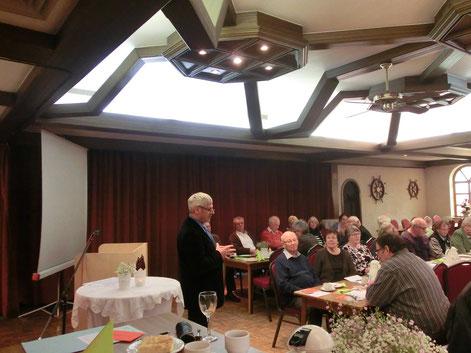 Der Kreisvorsitzende Uwe Anders beim Jahresbericht
