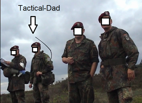 Feuer, Bewegung und Kommunikation: Übungsleitung beim Gefechtsschießen mit scharfer Munition.