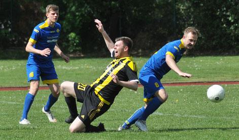 Viele hitzige Zweikämpfe im Mittelfeld prägten das Spiel