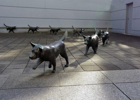 横浜ビジネスパーク(彫刻のホール)