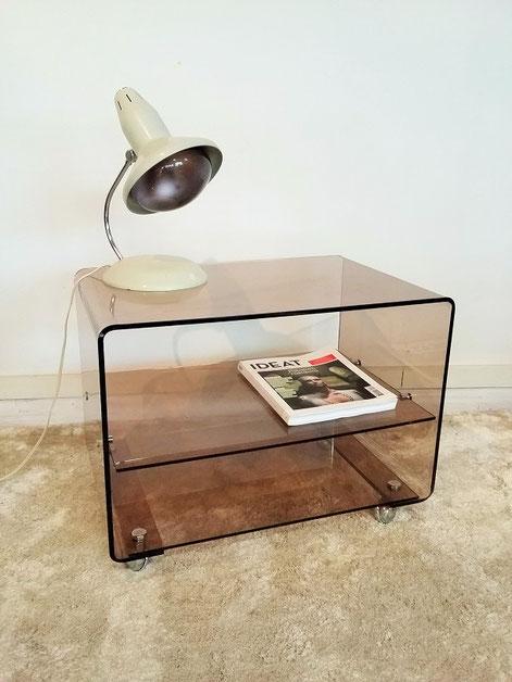 Bout de canapé plexiglas années 70