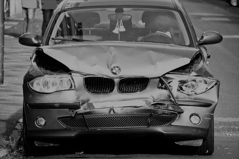 BMW mit Frontschaden