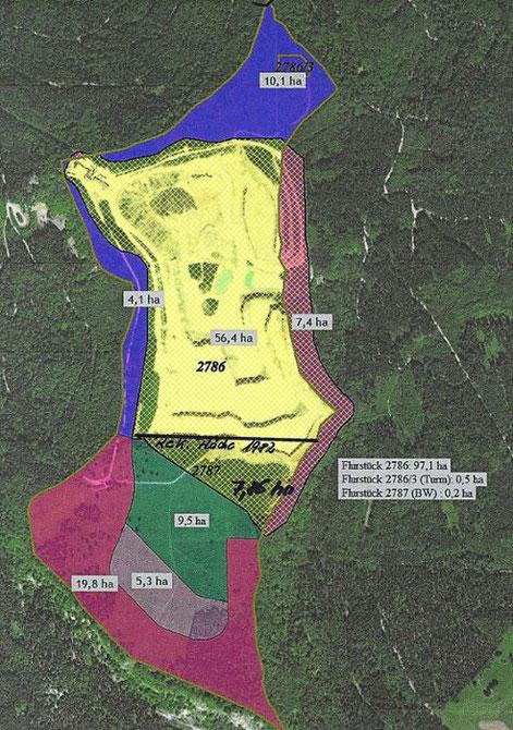 """Flächen, um die es bei der Plettenbergdiskussion geht. Nur die rote Fläche im Süden mit 19,8 Hektar, die lila Flächen im Westen mit 4,1 Hektar und im Norden (Turm) mit 10,1 Hektar bleiben nach Darstellung des Vereins NUZ als """"letzter Kranz des einst mächt"""