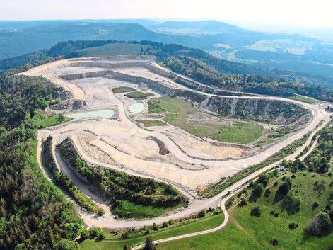 Der Verein NUZ fürchtet um die Natur und die Substanz des Plettenbergs, wenn der Kalksteinabbau von Holcim ausgeweitet wird.Foto: Privat Foto: Schwarzwälder Bote